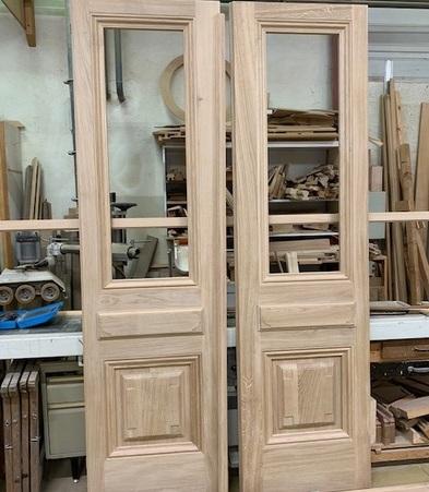 Porte d'entrée en cours de fabrication